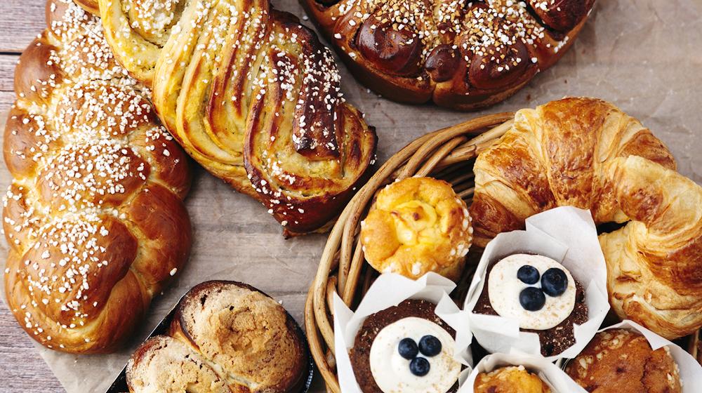 Maistuisiko pulla tai Oksan oma leivos?